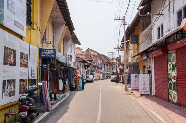 Walking Tour of Fort Cochin & Vypeen Island